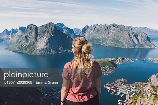 Lofoten  - p1507m2028368 von Emma Grann