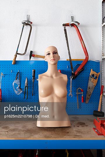 Mannequin in a workshop - p1625m2210798 by Dr. med.