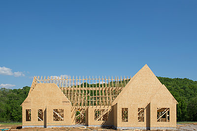 House under construction - p1427m2186458 by Chris Hackett