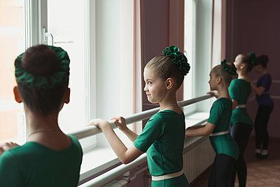 Ballet school - p1476m1564085 by Yulia Artemyeva