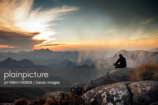 p1166m1163934 von Cavan Images