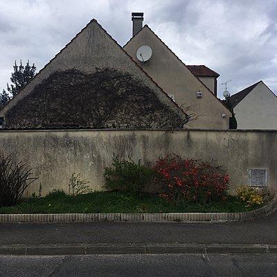 Frankreich, Neuville-sur-Oise, Gebäude - p1401m2165704 von Jens Goldbeck