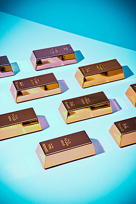 Gold bars - p1149m1589517 by Yvonne Röder