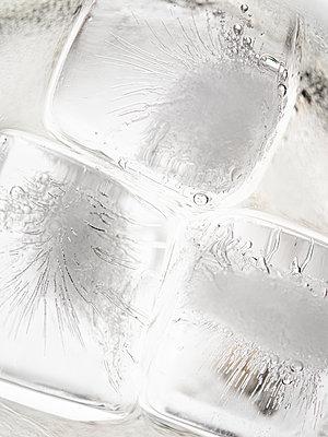 Eiswürfel - p401m2203247 von Frank Baquet