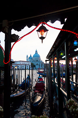 Italy, Venice, view to Santa Maria della Salute with gondola station in the foreground - p300m978851f by Karl Thomas