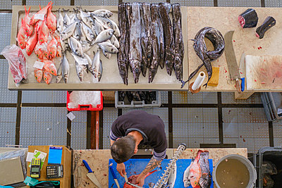 Fish market in Madeira - p1600m2175618 by Ole Spata