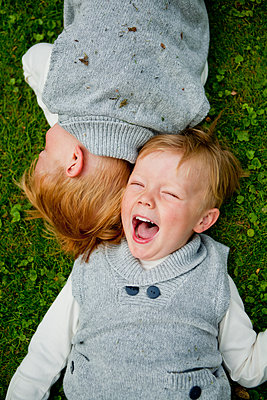 Happy twin brothers together - p312m1495489 by Ewa Ahlin