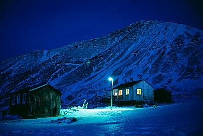A house in Greenland. - p5754223f by Magnus Elander