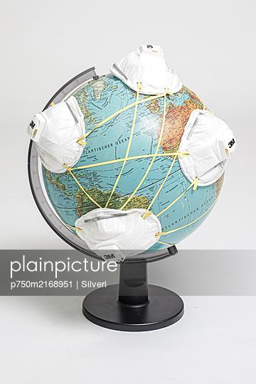 Pandemie - p750m2168951 von Silveri