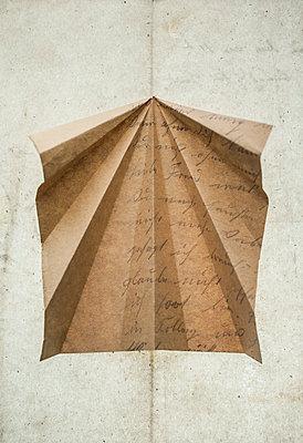 Paper - p971m2026269 by Reilika Landen