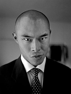 Portrait of Asian businessman - p1207m1109486 by Michael Heissner