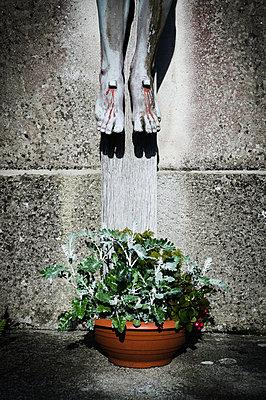 Auf dem Friedhof - p1149m1144549 von Yvonne Röder