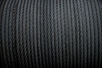 Aufgerolltes Stahlseil - p401m2216005 von Frank Baquet