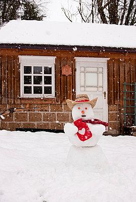 Snowman - p533m1039561 by Böhm Monika