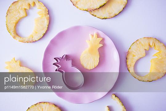 Ananas - p1149m1582770 von Yvonne Röder