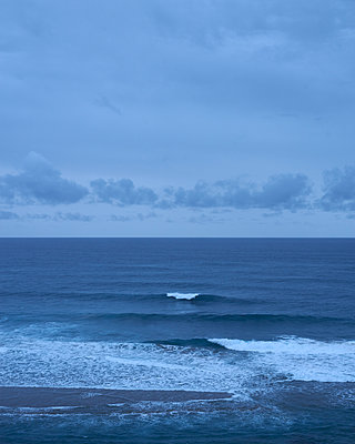 Welle am Abend - p1124m1112520 von Willing-Holtz