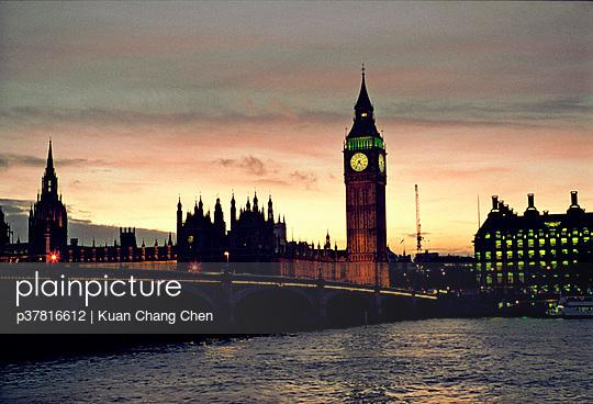 p37816612 von Kuan Chang Chen