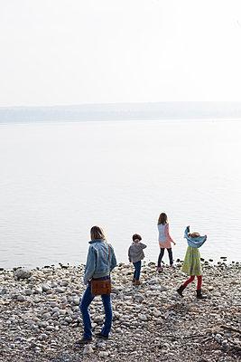 Uferspaziergang - p1308m1332365 von felice douglas