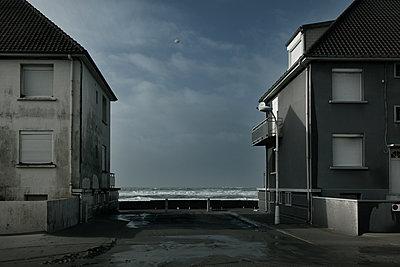 Open on the world - p1333m1170465 by Gérard Staron