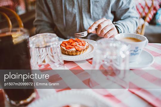 Fika - p1507m2099972 by Emma Grann