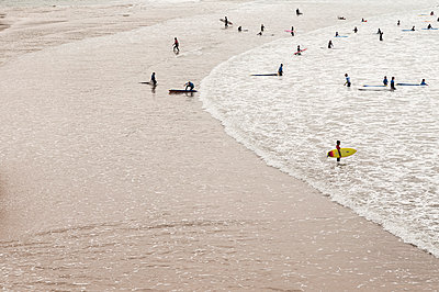 Surfer in Biarritz - p470m1042996 by Ingrid Michel