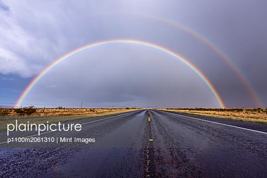 08/16/2011 - p1100m2061310 by Mint Images
