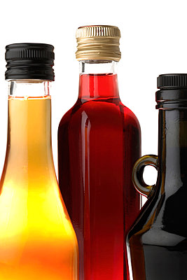 Vinegar and oil - p631m913024 by Franck Beloncle