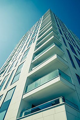residential building - p1684m2272092 by Klaus Ohlenschlaeger