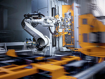 Industrial robot in modern factory - p300m2102597 by Christian Vorhofer