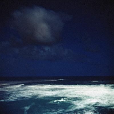 night (biarritz)   - p5672688 by Sandrine Agosti-Navarri