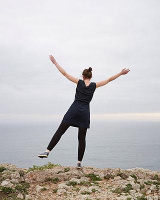 Balance am Meer - p1124m1112570 von Willing-Holtz