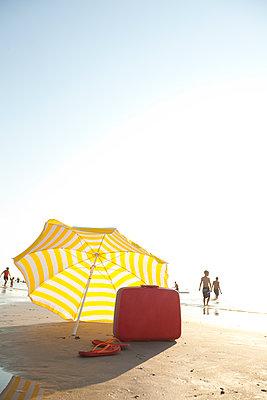 Trip to the beach - p454m1065148 by Lubitz + Dorner