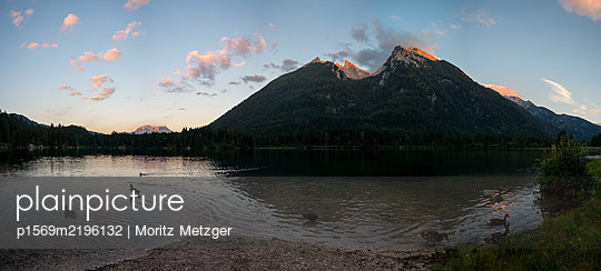 Germany, Berchtesgadener Land, Bavaria, Mountain lake - p1569m2196132 by Moritz Metzger