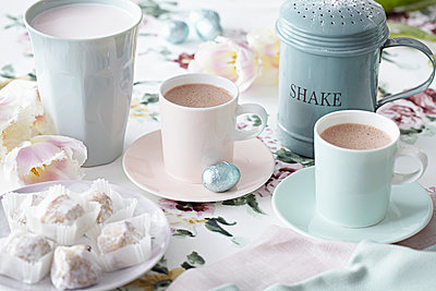 Coffee cups and sweet treats - p429m930242f by Debby Lewis-Harrison