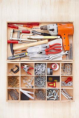 Werkzeugkasten - p464m754948 von Elektrons 08