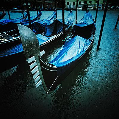 Veneding bei Nacht und Regen - p8440011 von Markus Renner