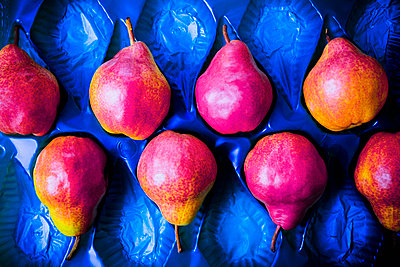 Red pears - p1149m1590678 by Yvonne Röder
