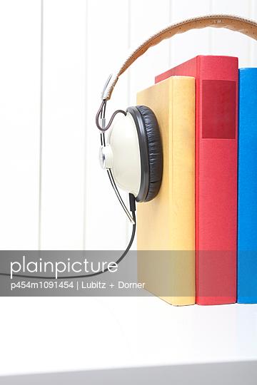 Bücher hören - p454m1091454 von Lubitz + Dorner