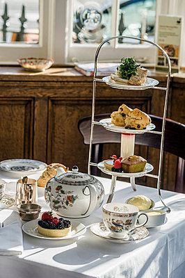 English afternoon tea - p575m841373f by Mauro Rongione