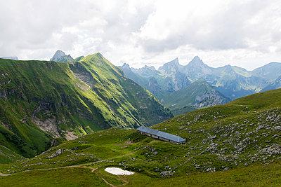 Mountain range in Switzerland - p756m1464823 by Bénédicte Lassalle