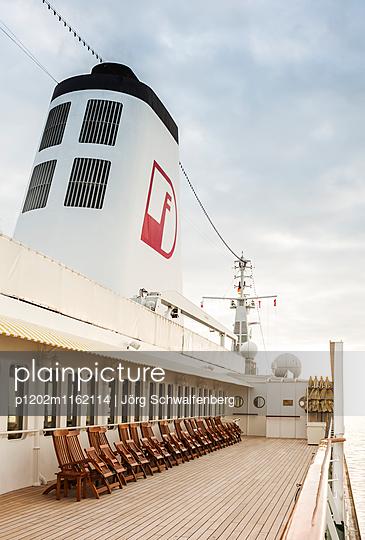 MS Deutschland - Traumschiff - p1202m1162114 von Jörg Schwalfenberg