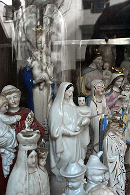 Statues of the Virgin Mary - p1210m2065735 by Ono Ludwig