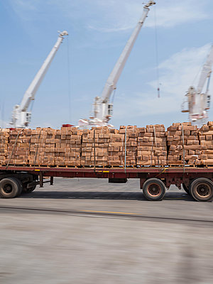 Truck with freight - p390m1586484 by Frank Herfort