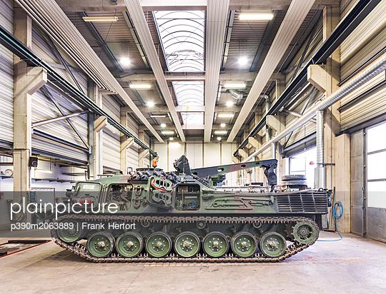 Army tank in Bundeswehr workshop - p390m2063889 by Frank Herfort