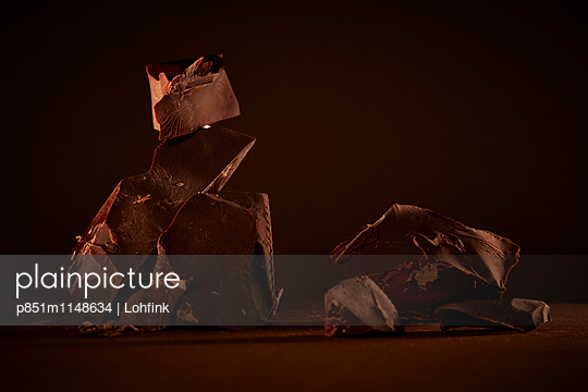 Schokolade Nahaufnahme - p851m1148634 von Lohfink