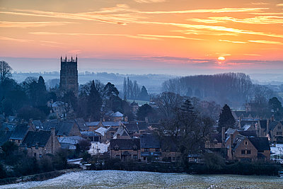 Winter Sunrise over Chipping Campden, Cotswolds, Gloucestershire, England - p651m2135751 by Tom Mackie