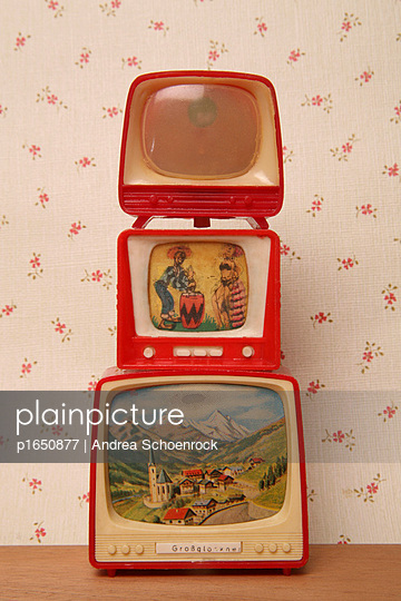Miniature tv - p1650877 by Andrea Schoenrock