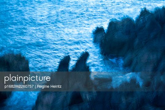 Bad weather on the seaside - p1682m2260757 by Régine Heintz