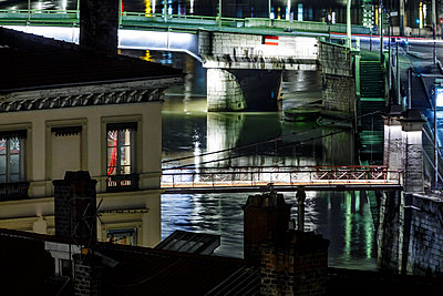 Bridges in Lyon at night - p910m1467687 by Philippe Lesprit