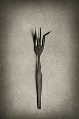 A bent fork - p1228m1152381 by Benjamin Harte